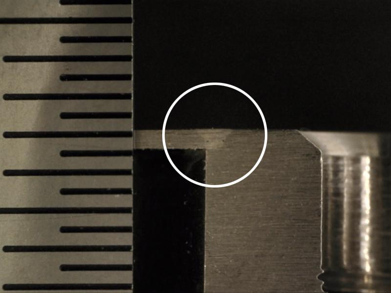約1.5mm深さまで溶接可能(写真は0.5mm)