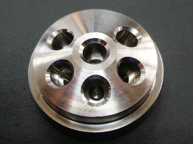 チタン 加工技術 多方弁バルブ 二九精密